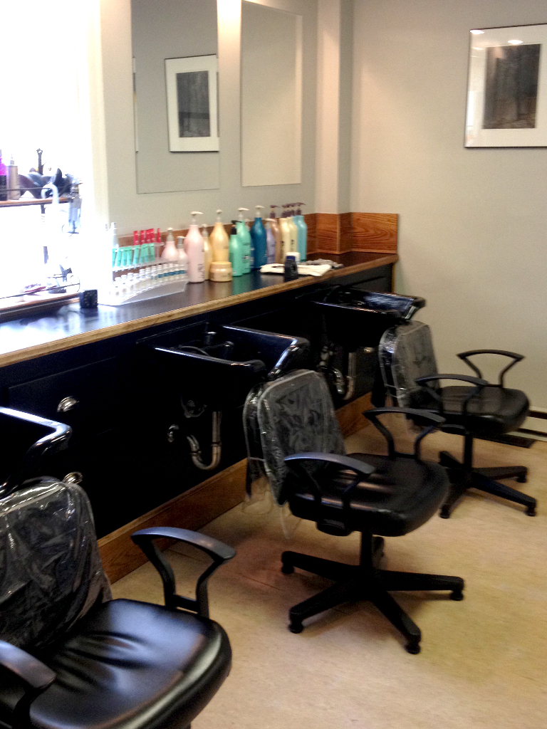 Brian Chapman Hair Salon 3 Stations for Shampoo, Conditioner and Treatments - our Salon Assistants will wash and condition your hair in preparation for your styling. Or, take advantage of our L'Oreal Pro Fiber Treatments!